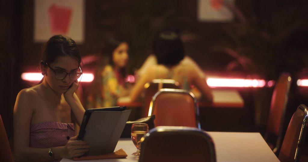 Pura pantalla (Pure Screen) - Short Film Review - Indie Shorts Mag